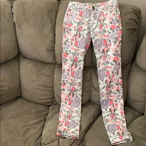 COTTON ON floral white jeans. Excellent condition.